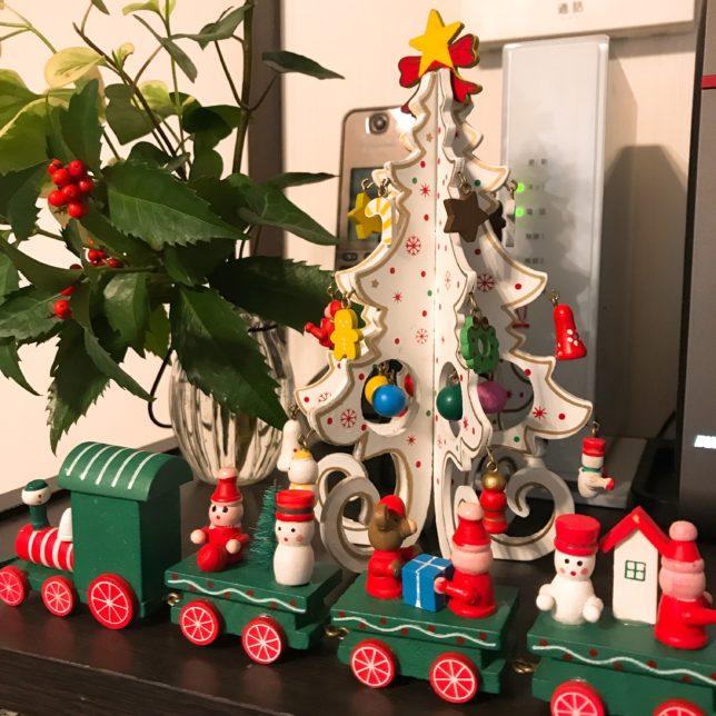 やっとクリスマスの飾り付け クリスマスツリーは…?