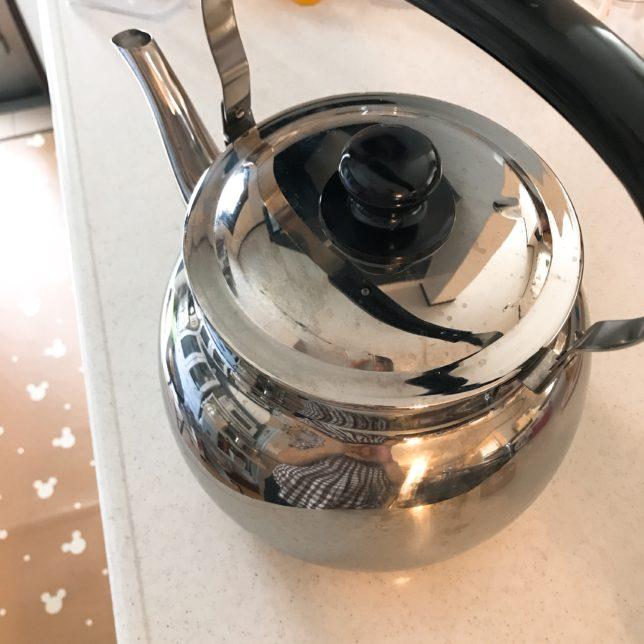 麦茶をたくさん飲むから…麦茶は大きいヤカンで沸かすとラク